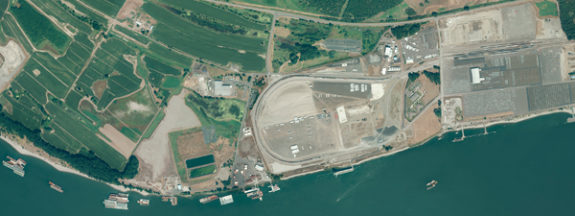 Aerial photo of Port of Vancouver Terminals 4 and 5